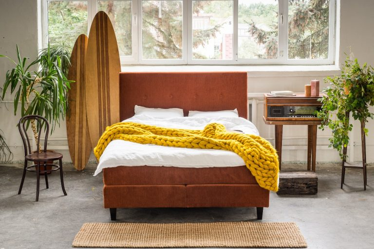 Gergama-Continental-bed-Dots